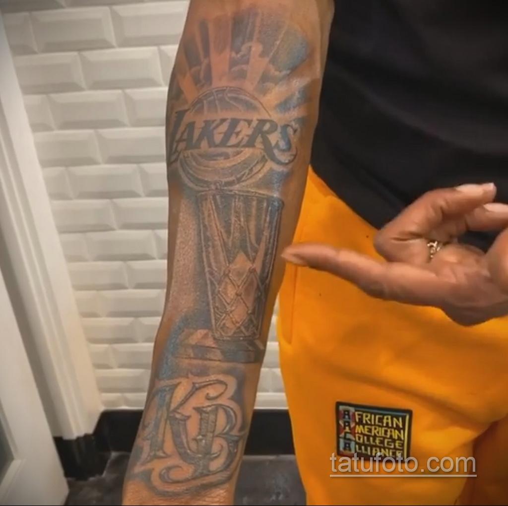 Новая татуировка репера Снуп Догга (Snoop Dogg) посвященная Лейкерс - фото 6