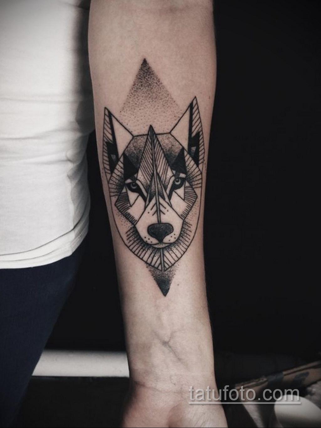 волк тату на предплечье 25.10.2020 №034 -forearm tattoo- tatufoto.com