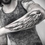 татуировка крыло на предплечье 25.10.2020 №040 -forearm tattoo- tatufoto.com