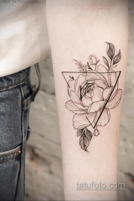 татуировки цветов на предплечье 25.10.2020 №006 -forearm tattoo- tatufoto.com