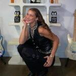 Новая татуировка Беллы Хадид на сладкую тематику - фото 4