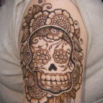 Фото интересного рисунка хной на теле 13.11.2020 №390 -henna tattoo- tatufoto.com