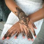Фото интересного рисунка хной на теле 13.11.2020 №428 -henna tattoo- tatufoto.com