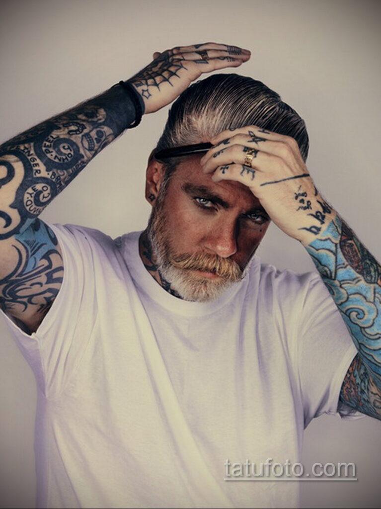 Фото мужской тату 18.11.2020 №070 -beautiful tattoo guy- tatufoto.com