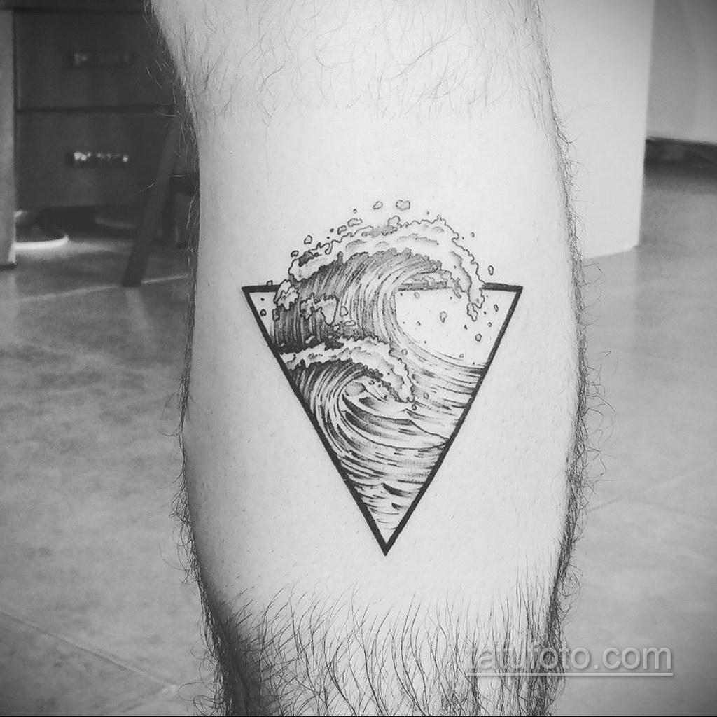 Фото рисунка тату с треугольником 22.11.2020 №003 -triangle tattoo- tatufoto.com