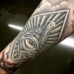 Фото рисунка тату с треугольником 22.11.2020 №012 -triangle tattoo- tatufoto.com