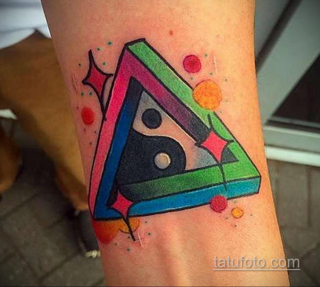 Фото рисунка тату с треугольником 22.11.2020 №031 -triangle tattoo- tatufoto.com