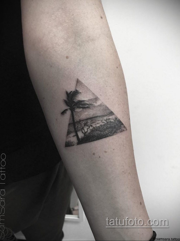 Фото рисунка тату с треугольником 22.11.2020 №034 -triangle tattoo- tatufoto.com