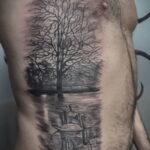 Фото татуировки на ребрах 11.11.2020 №052 -ribs tattoo- tatufoto.com