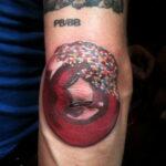 Фото татуировки с пончиком 22.11.2020 №232 -donut tattoo- tatufoto.com