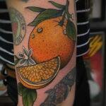 Пример рисунка татуировки апельсином 12.12.2020 №1071 -orange tattoo- tatufoto.com