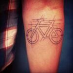 Пример рисунка татуировки про велосипед 15.12.2020 №233 -bike tattoo- tatufoto.com