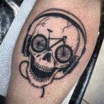 Пример рисунка татуировки про велосипед 15.12.2020 №253 -bike tattoo- tatufoto.com