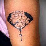 Пример рисунка татуировки с веером 13.12.2020 №098 -fan tattoo- tatufoto.com
