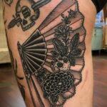 Пример рисунка татуировки с веером 13.12.2020 №099 -fan tattoo- tatufoto.com