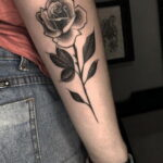 Тату роза на запястье пример 01.12.2020 №083 -rose tattoo on forearm- tatufoto.com