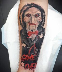 Джон Крамер (Пила) – фото тату 13.01.2021 №0006 -saw tattoo- tatufoto.com