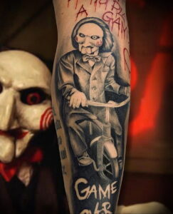 Джон Крамер (Пила) – фото тату 13.01.2021 №0008 -saw tattoo- tatufoto.com