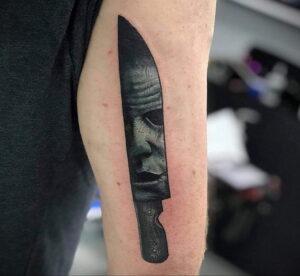 Майкл Майерс – фото тату 13.01.2021 №0020 -Michael Myers tattoo- tatufoto.com