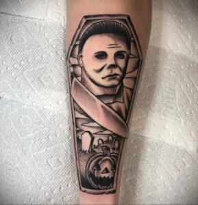 Майкл Майерс – фото тату 13.01.2021 №0050 -Michael Myers tattoo- tatufoto.com