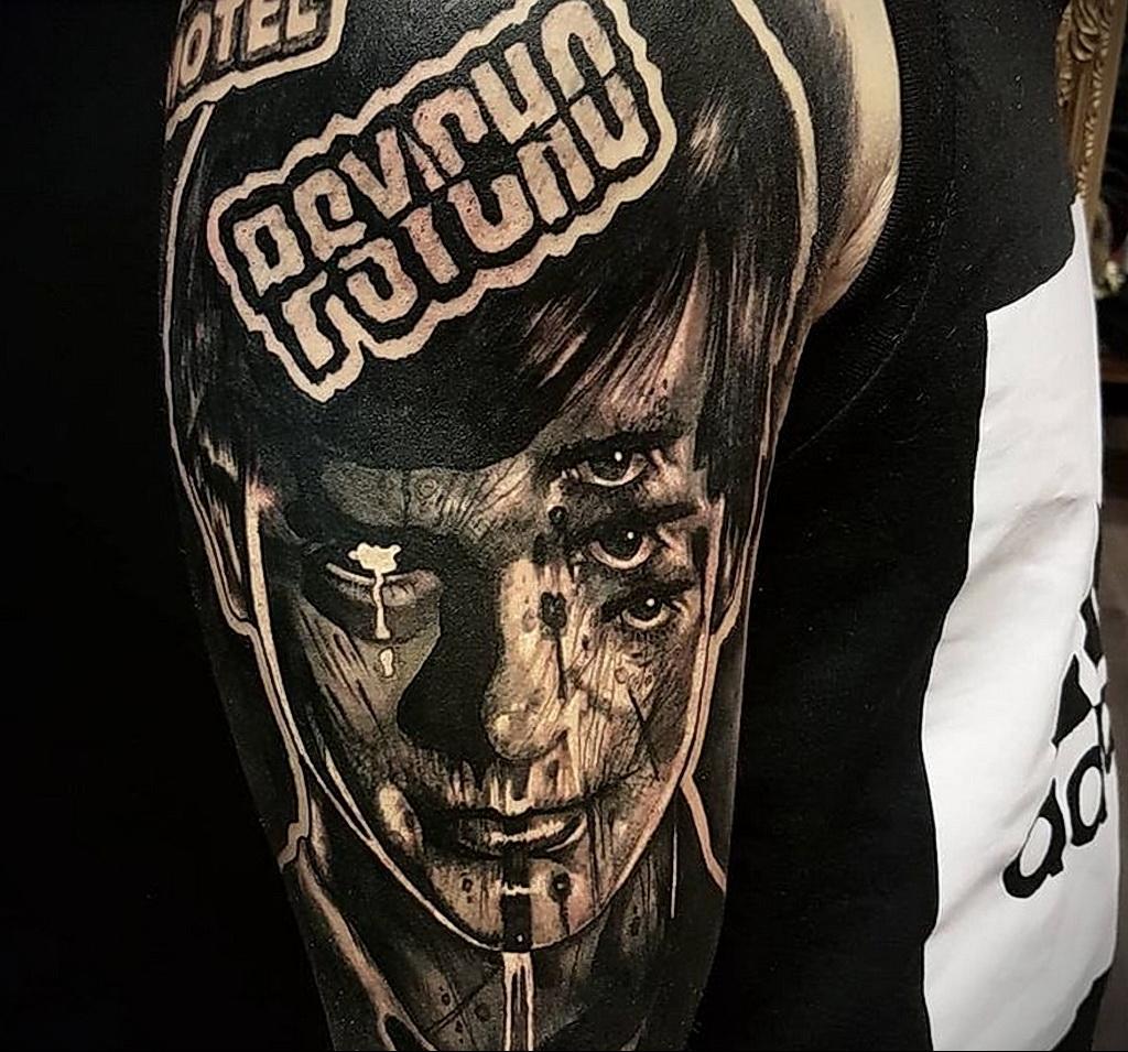 Норман Бейтс – фото тату 13.01.2021 №0001 -Norman Bates tattoo- tatufoto.com