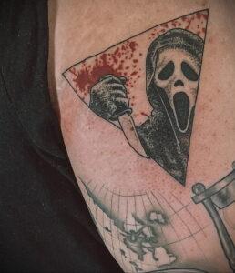Призрачное лицо – фото тату 13.01.2021 №0046 -Norman Bates tattoo- tatufoto.com