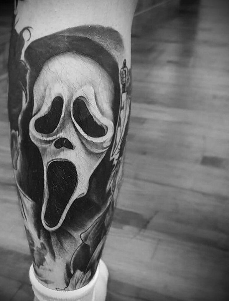 Призрачное лицо – фото тату 13.01.2021 №0070 -Norman Bates tattoo- tatufoto.com