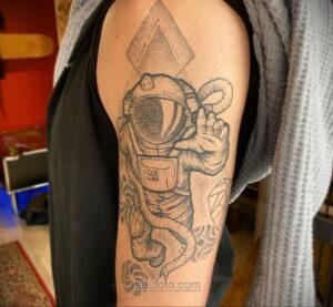 Тату астрономия и космос 11.01.2021 №0055 -astronomy and space tattoo- tatufoto.com
