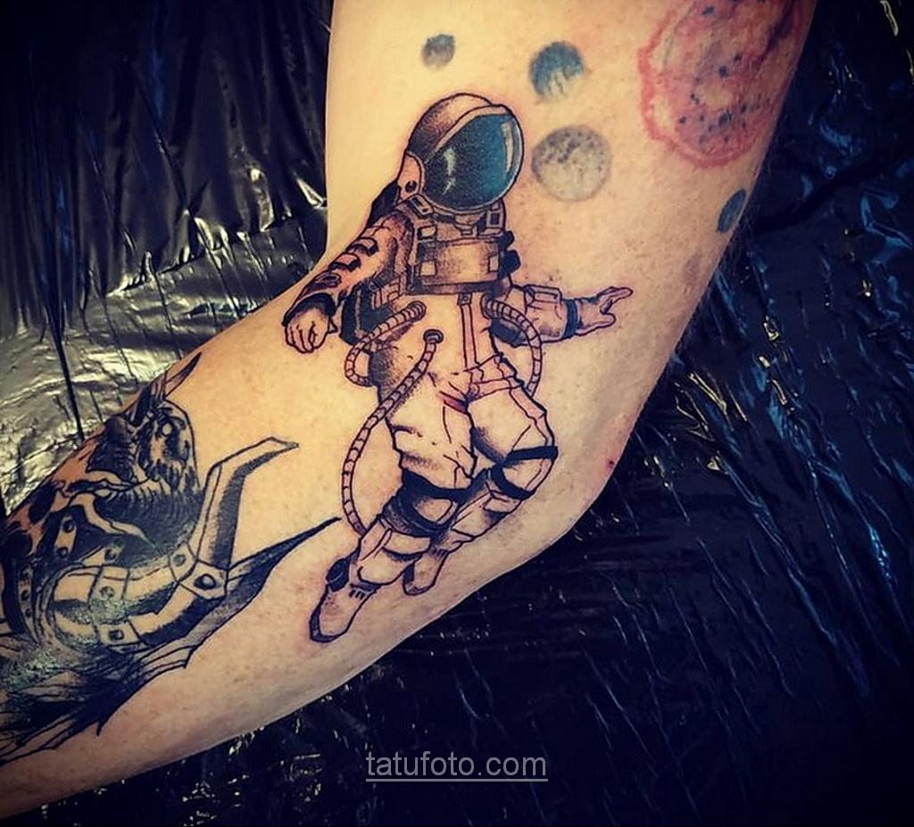 Тату астрономия и космос 11.01.2021 №0214 -astronomy and space tattoo- tatufoto.com