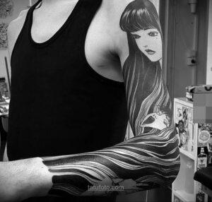 Тату ужас Дзюндзи Ито 12.01.2021 №0037 -horror tattoo Junji Ito- tatufoto.com