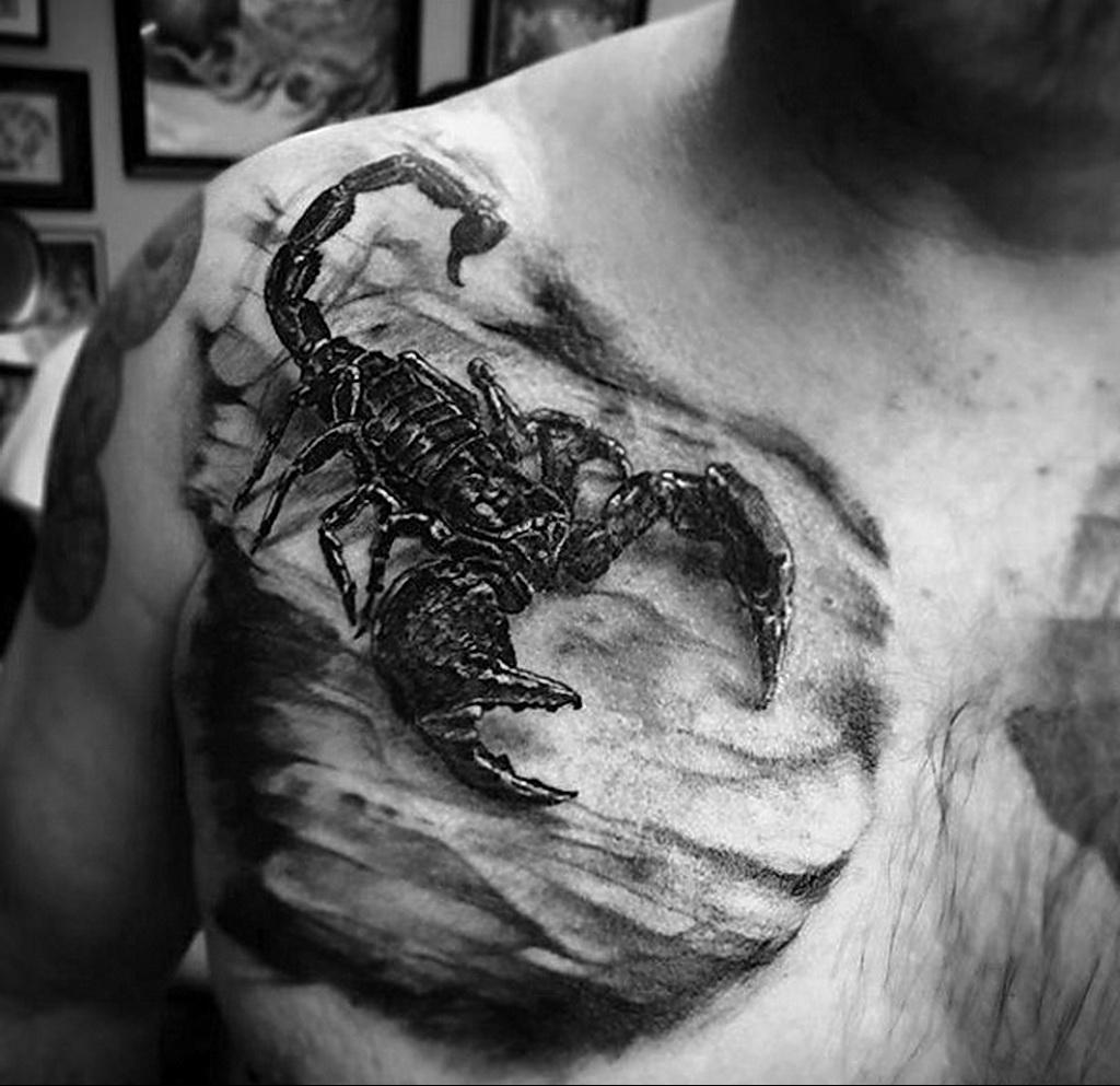 Фото Тату скорпион на груди 16.01.2021 №0051 -scorpion tattoo on chest- tatufoto.com