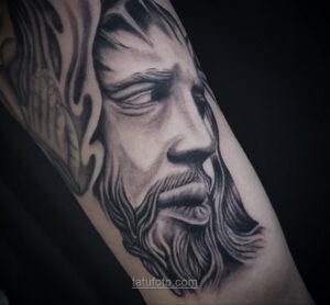 Фото Тату с Иисусом Христом 11.01.2021 №10012 -jesus tattoo- tatufoto.com
