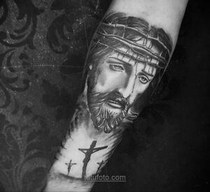 Фото Тату с Иисусом Христом 11.01.2021 №10019 -jesus tattoo- tatufoto.com