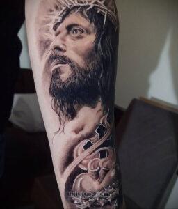 Фото Тату с Иисусом Христом 11.01.2021 №10023 -jesus tattoo- tatufoto.com