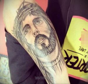 Фото Тату с Иисусом Христом 11.01.2021 №10033 -jesus tattoo- tatufoto.com