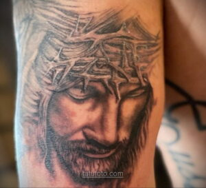 Фото Тату с Иисусом Христом 11.01.2021 №10034 -jesus tattoo- tatufoto.com