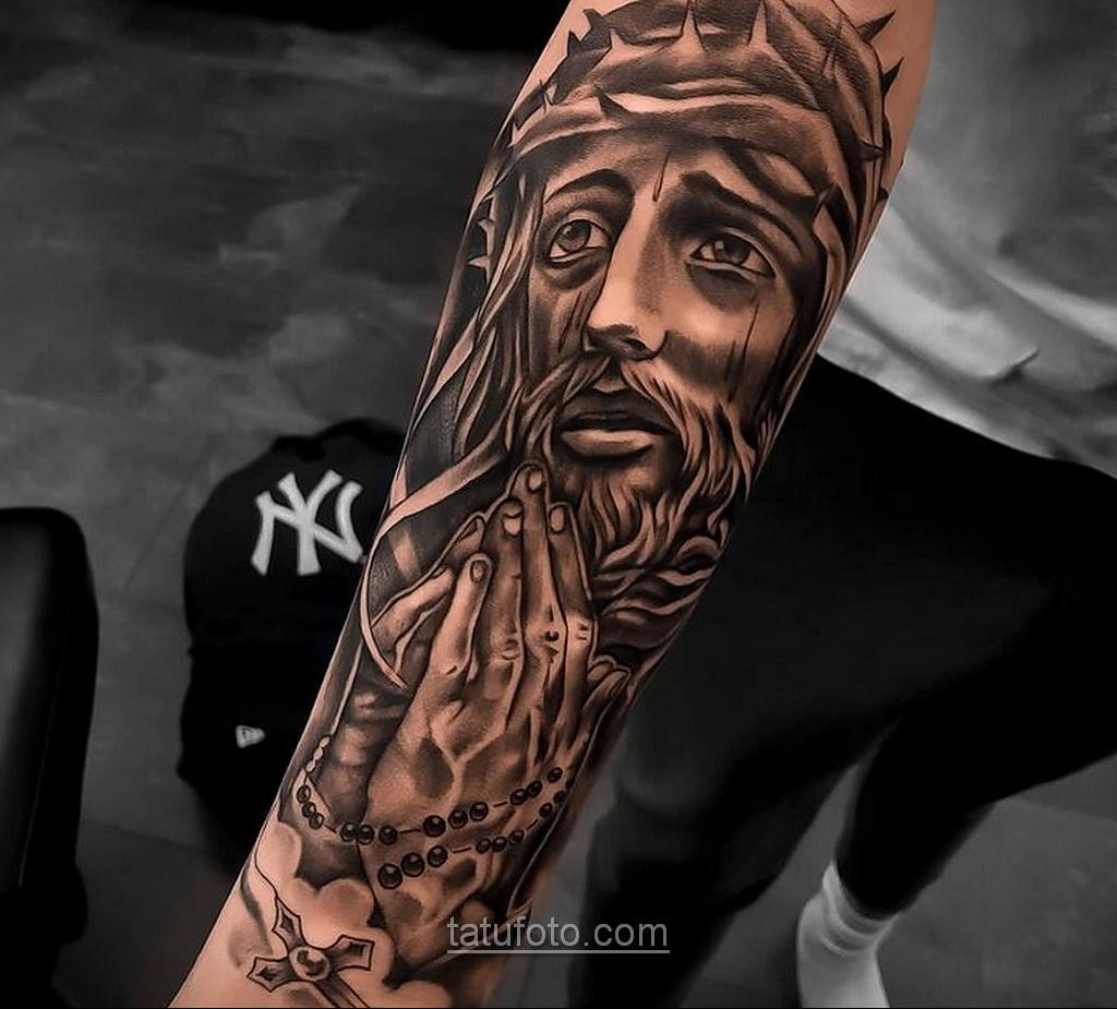 Фото Тату с Иисусом Христом 11.01.2021 №10041 -jesus tattoo- tatufoto.com