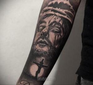 Фото Тату с Иисусом Христом 11.01.2021 №10047 -jesus tattoo- tatufoto.com