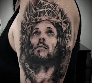 Фото Тату с Иисусом Христом 11.01.2021 №10049 -jesus tattoo- tatufoto.com
