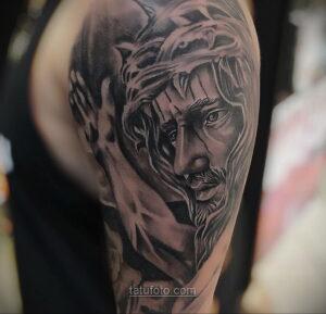 Фото Тату с Иисусом Христом 11.01.2021 №10050 -jesus tattoo- tatufoto.com
