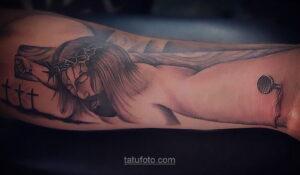 Фото Тату с Иисусом Христом 11.01.2021 №10057 -jesus tattoo- tatufoto.com