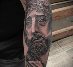 Фото Тату с Иисусом Христом 11.01.2021 №10063 -jesus tattoo- tatufoto.com