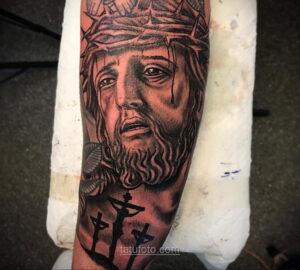 Фото Тату с Иисусом Христом 11.01.2021 №10077 -jesus tattoo- tatufoto.com