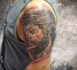 Фото Тату с Иисусом Христом 11.01.2021 №10079 -jesus tattoo- tatufoto.com