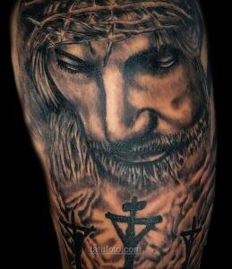 Фото Тату с Иисусом Христом 11.01.2021 №10094 -jesus tattoo- tatufoto.com