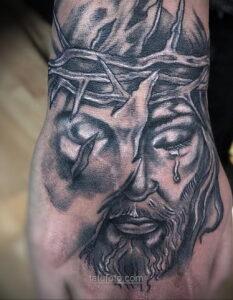 Фото Тату с Иисусом Христом 11.01.2021 №10102 -jesus tattoo- tatufoto.com