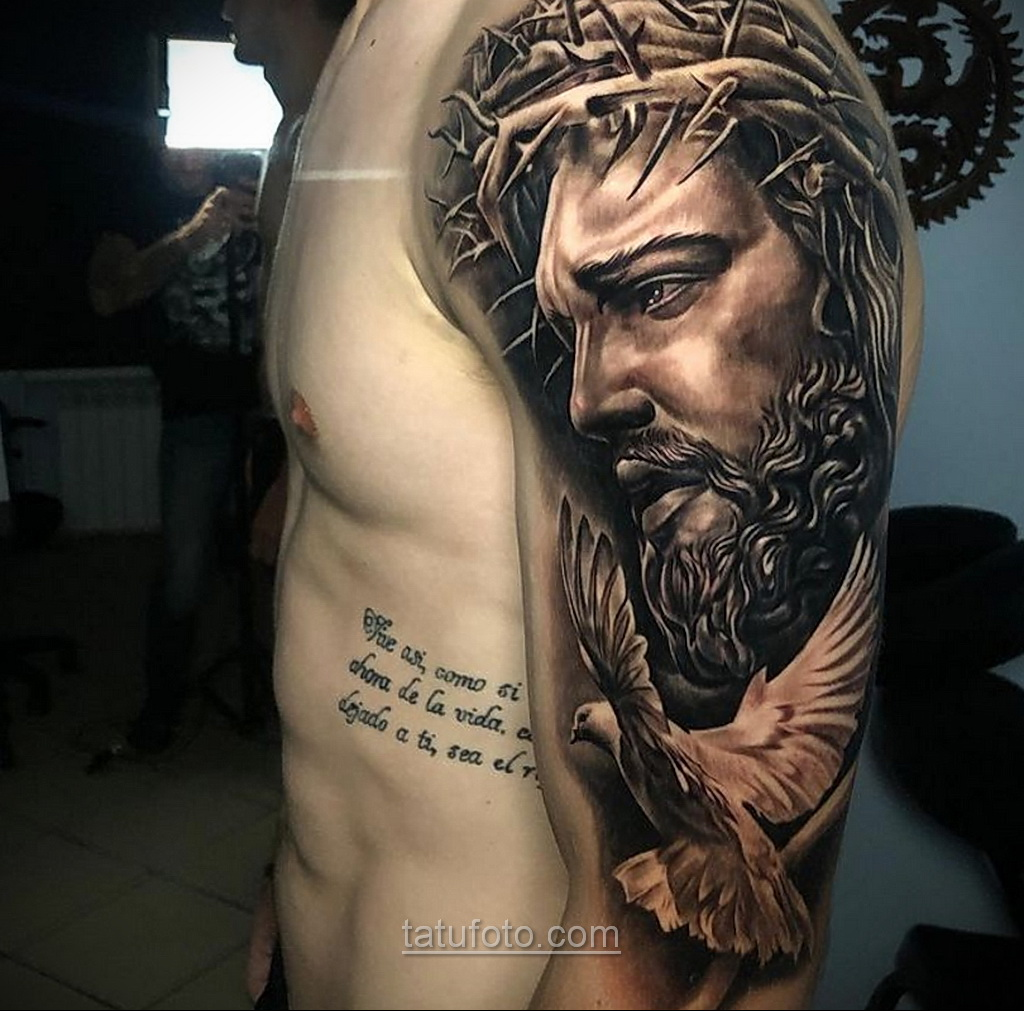 Фото Тату с Иисусом Христом 11.01.2021 №10103 -jesus tattoo- tatufoto.com