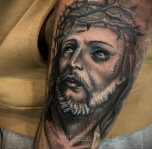 Фото Тату с Иисусом Христом 11.01.2021 №10106 -jesus tattoo- tatufoto.com