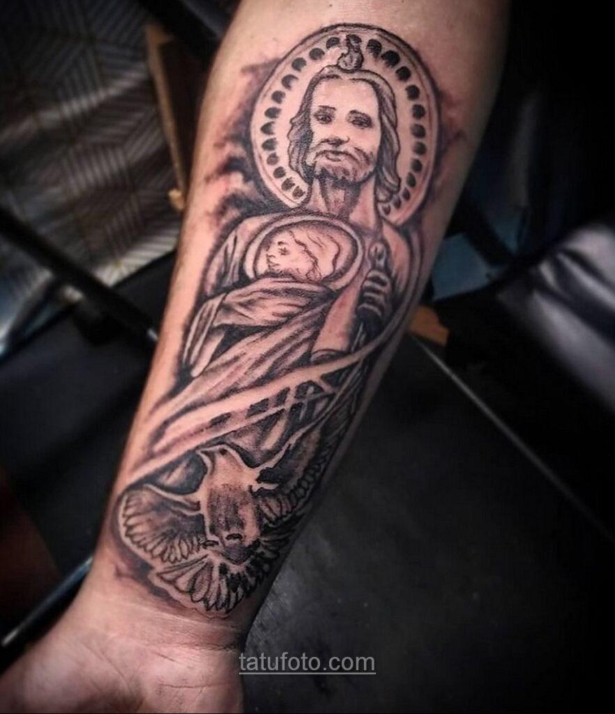 Фото Тату с Иисусом Христом 11.01.2021 №10108 -jesus tattoo- tatufoto.com