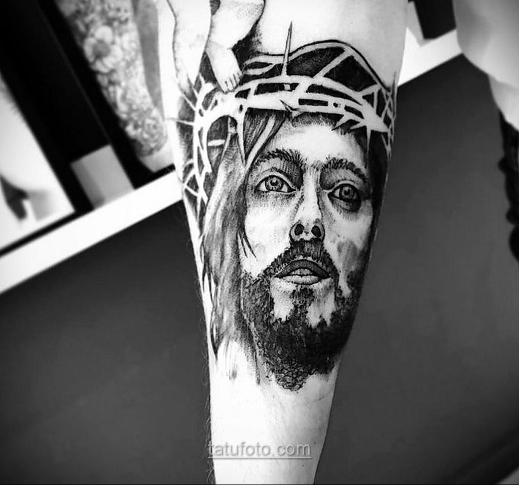 Фото Тату с Иисусом Христом 11.01.2021 №10117 -jesus tattoo- tatufoto.com
